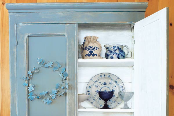 cabinet with distressed paint, 10 uses for toothpicks