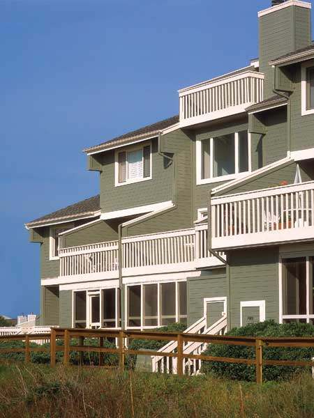 Tips for choosing exterior wood staining made simple for Exterior wood stain flood