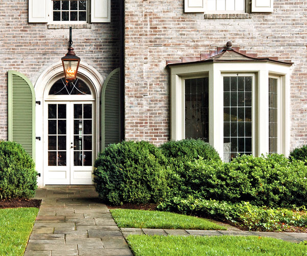 """Window Designs Curb Appeal: """"Warm"""" Ideas To Steal: Door And Bay Window"""
