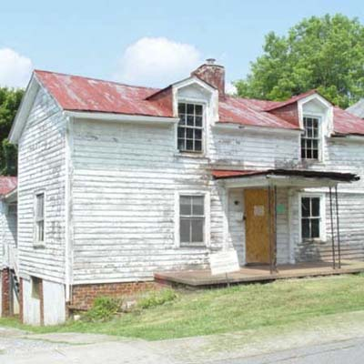 a house in Lynchburg, Virginia for sale for 1 dollar