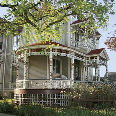 an old house in Elgin, Illinois