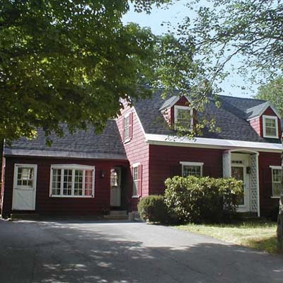 an old Cape Cod house in Douglas Park, Brunswick, Maine