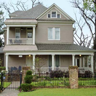 a Queen Anne house in Houston Heights, Houston, Texas