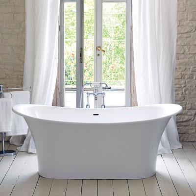 Vintage style bathtub