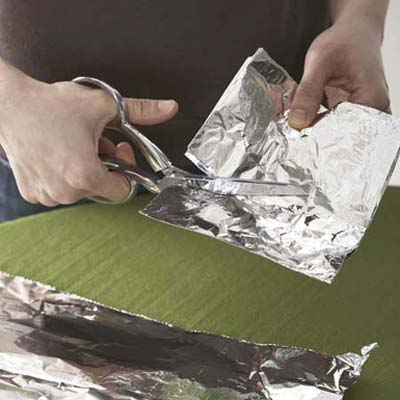 repeatedly cutting aluminum foil will sharpen dull sissors
