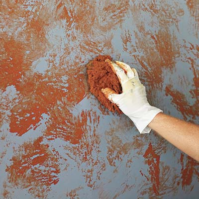 Sponge second-coat on interior wall paint